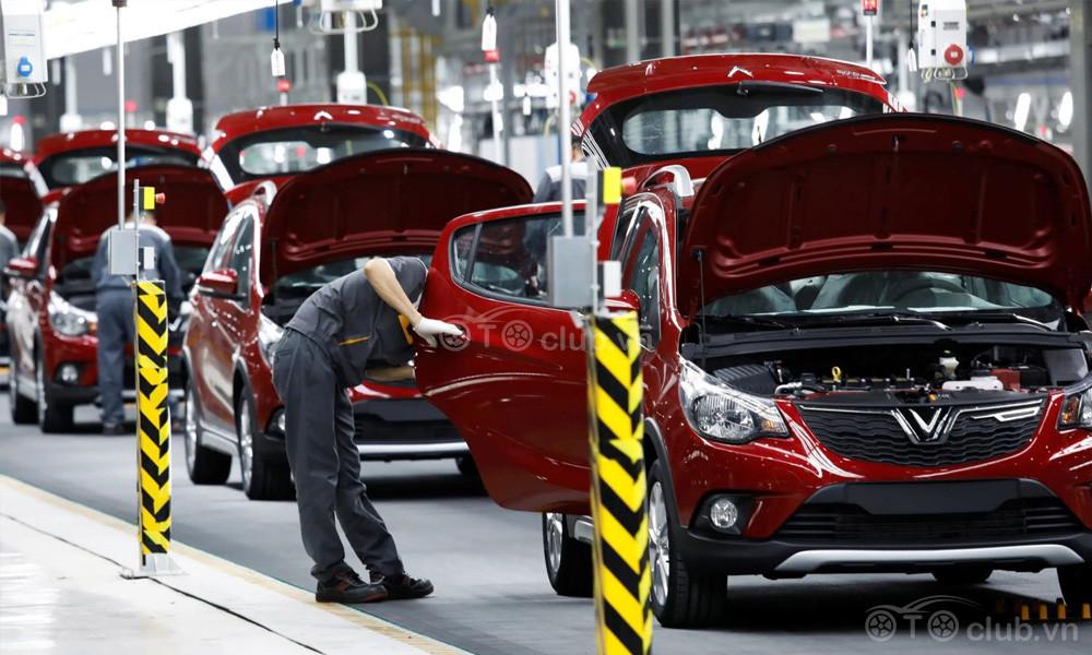 Các đại lý ô tô rục rịch tăng giá trở lại, cắt bớt ưu đãi những tháng cuối năm