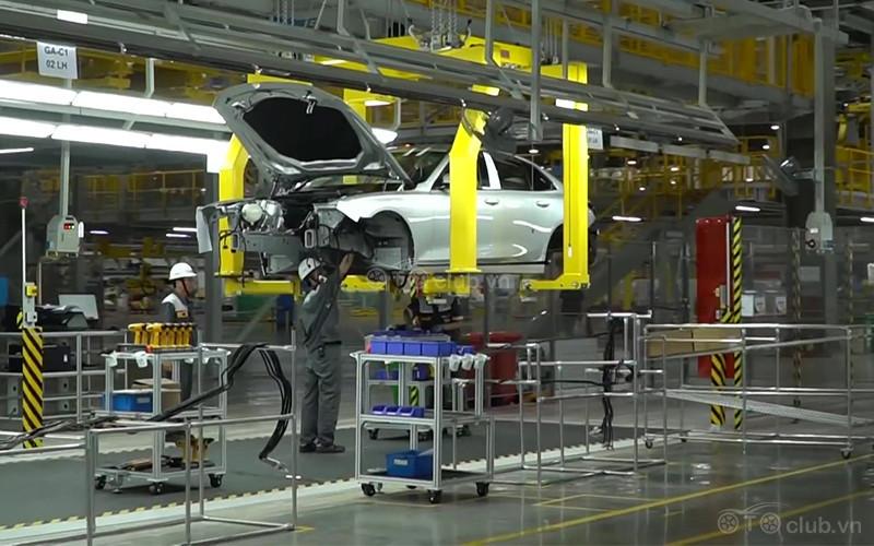 Ô tô lắp ráp tranh nhau ra mắt đón giảm lệ phí trước bạ