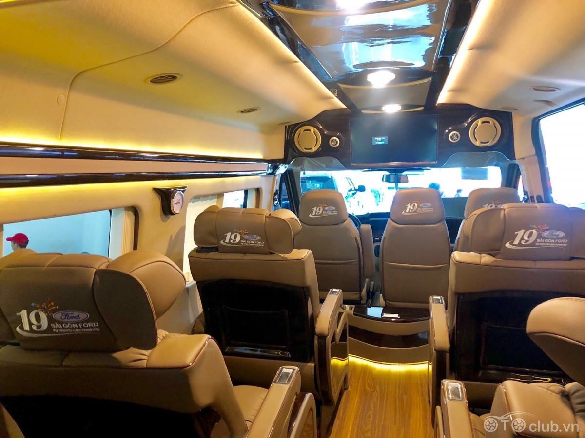 Ford Transit Limousine Cao Cấp Giảm Giá Sốc Hơn 200 Triệu