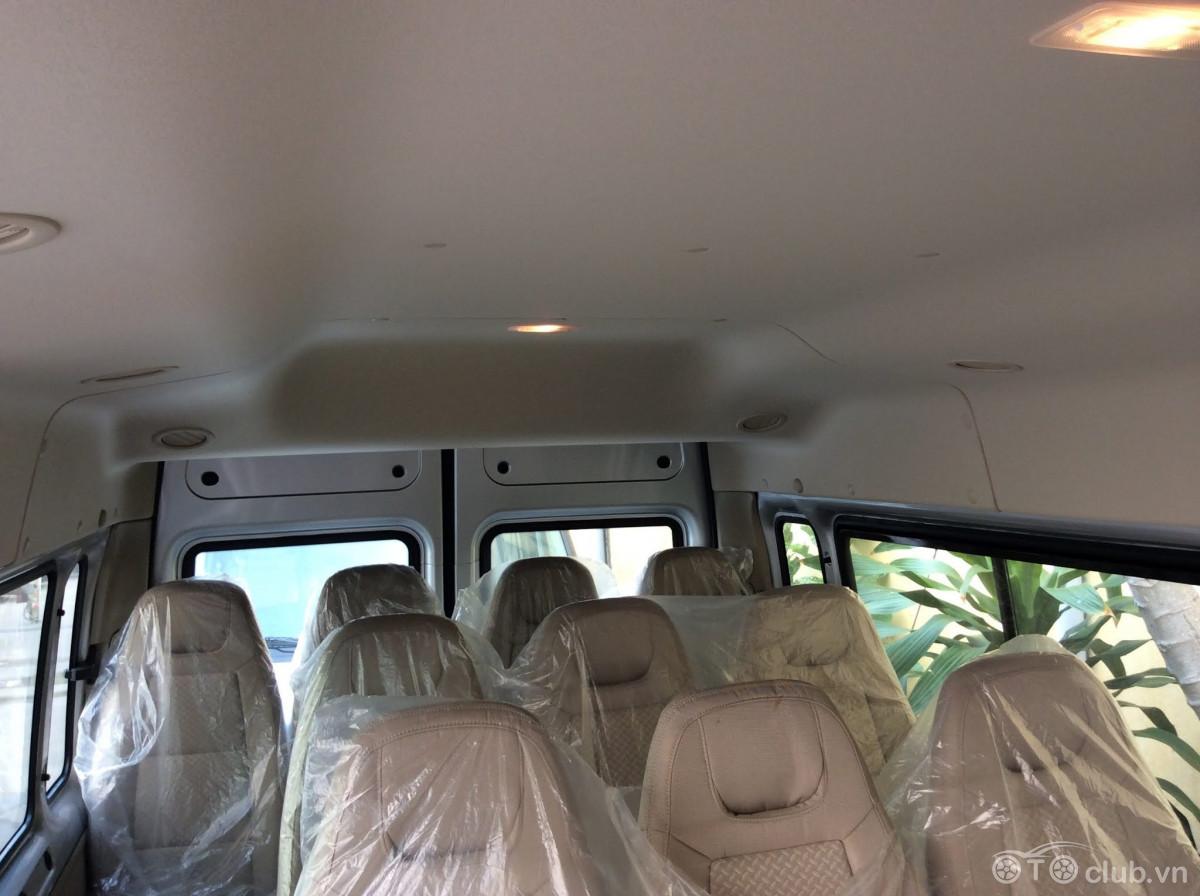 Ford Transit mới 100% giá sốc 699 triệu