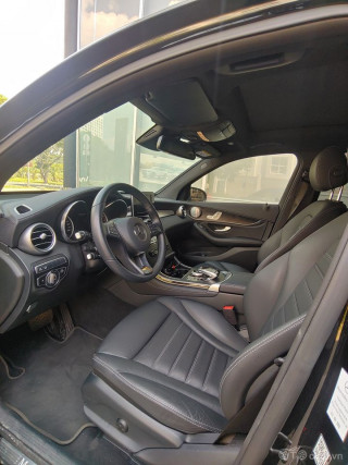 Mercedes GLC300 AMG 2019 Đen nội thất Đen