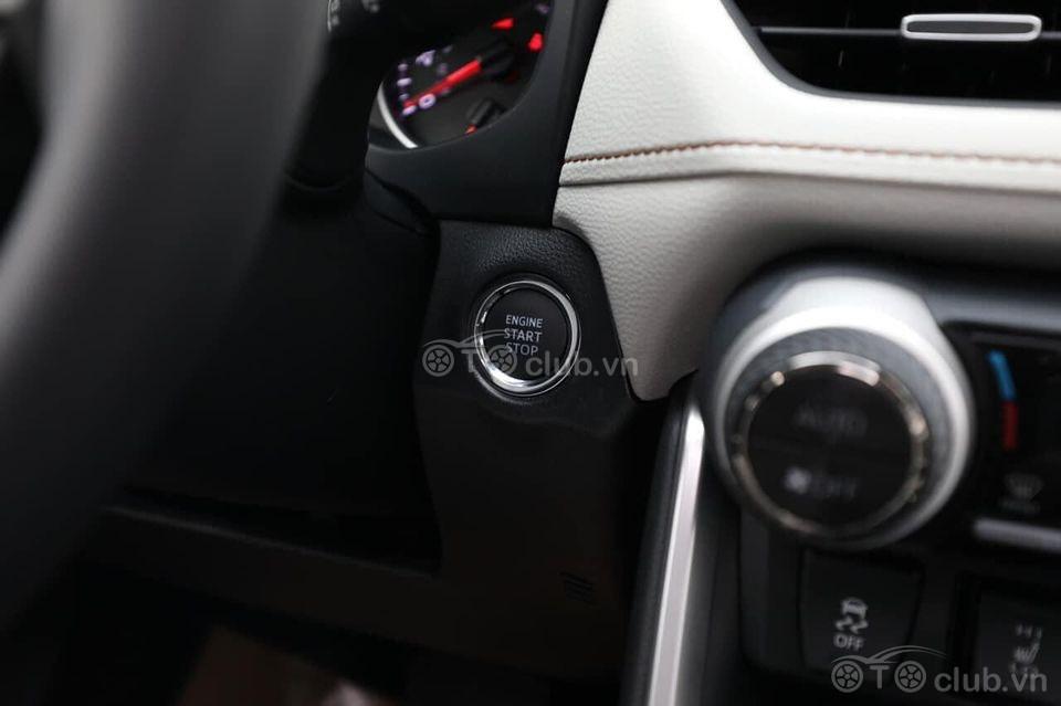 Toyota RAV4 XLE AWD 2020