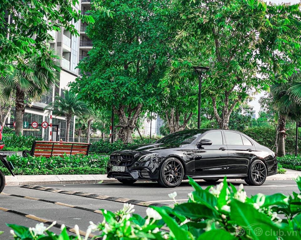 Mercedes Benz E300 AMG