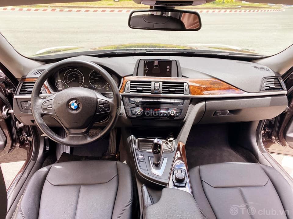 BMW 320i Gran Turismo model 2015