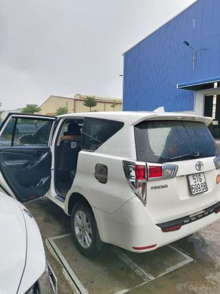 Cần bán xe innova 2018