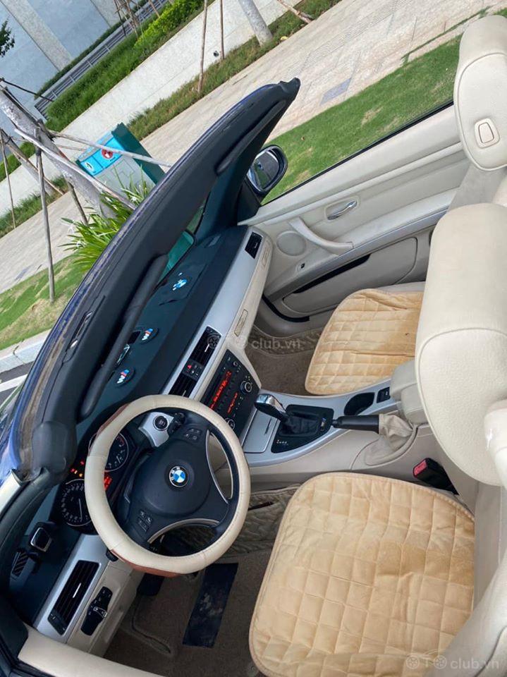 BMW 325i convertible model 2011