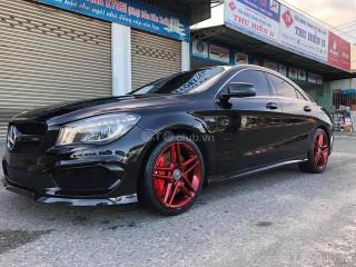 Mercedes CLA 45 mĩ đen