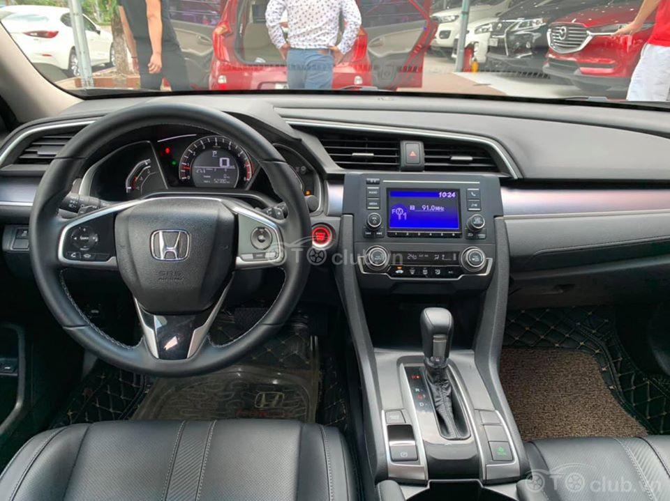 Honda Civic 1.8E 2018 - Xanh Đen