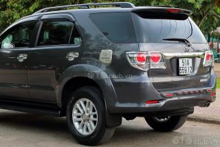 Toyota FORTUNER V