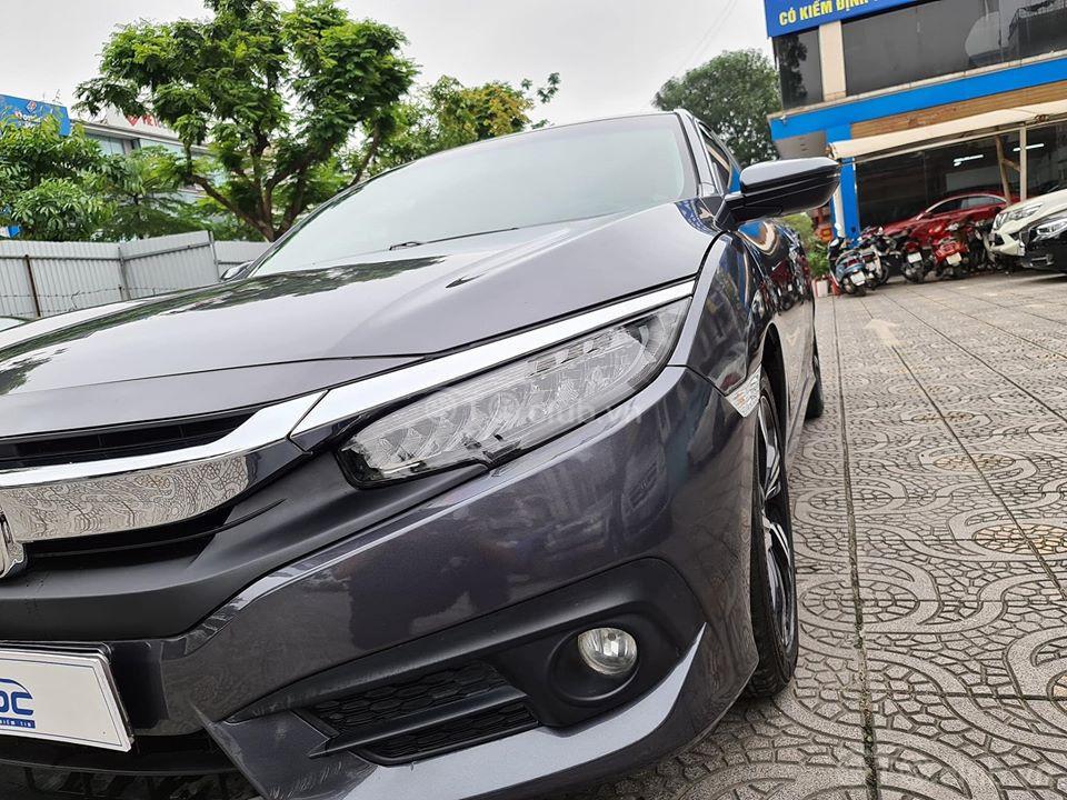 Honda Civic 1.5 Tubor bản L model 2017