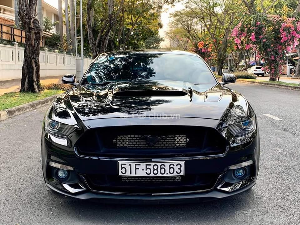 Ford Mustang 5.0L V8 2016 độ khủng