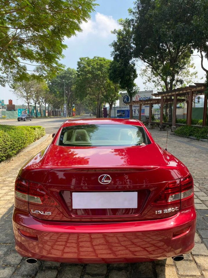 Lexus IS 250C Sport 2 cửa, mui xếp cứng - ĐKLĐ 2010 (nhập khẩu)