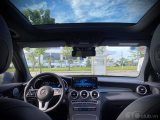 Mercedes Benz GLC300 4Matic 2020 lăn bánh 1.500km