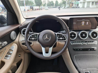 Mercedes GLC300 4matic sx19 model 20 màu đen
