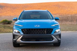 Ngoại thất Hyundai Kona 2022 màu xanh