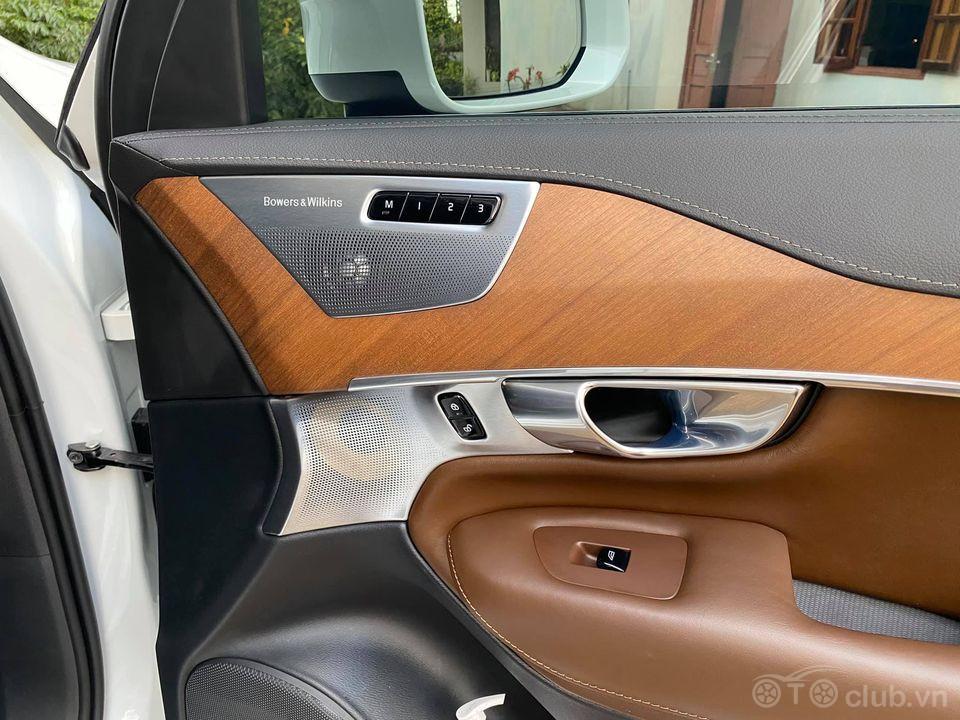 Volvo XC90 2018 chạy đúng 17.000 miles