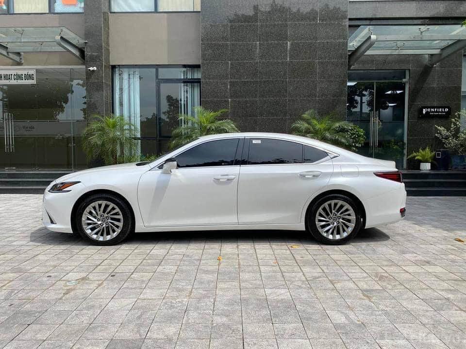Lexus Es250 trắng nâu model 2021